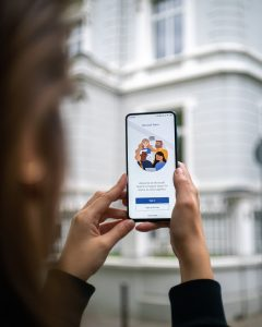 Online kommunikation – Sådan færdes du sikkert på nettet